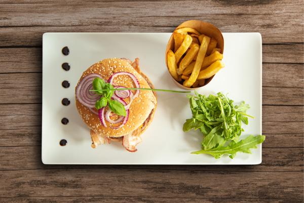 Pour les marins d'eau douce ; Le Burger du Chef ! Un délice.
